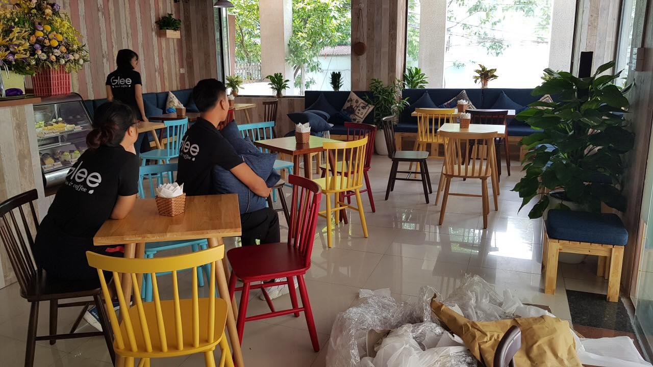 Bàn ghế quán cafe bằng gỗ
