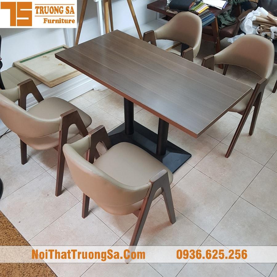 Bàn ghế quán cà phê gỗ TS250c