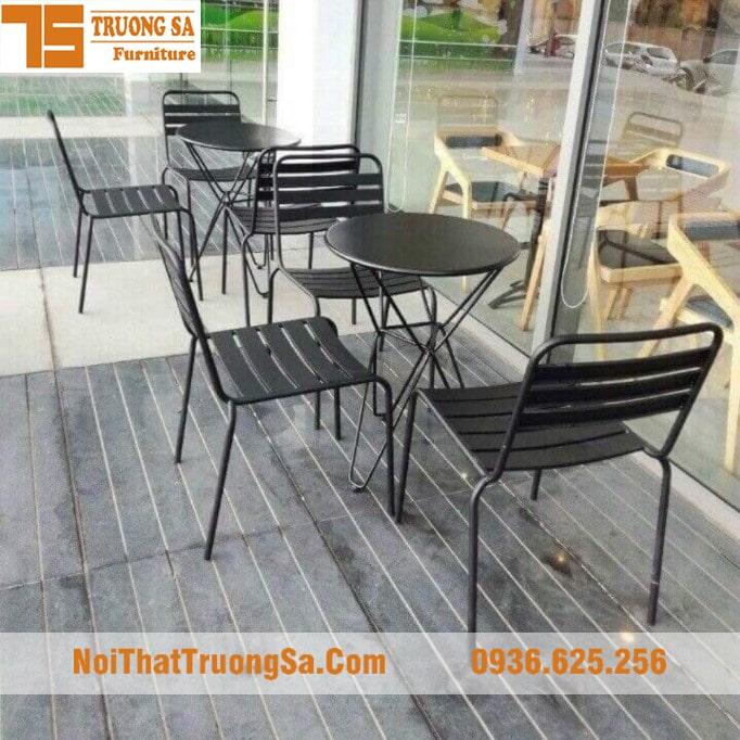 Bàn ghế cafe ngoài trời
