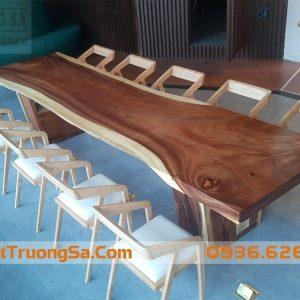 Bàn gỗ nguyên tấm, nguyên khối