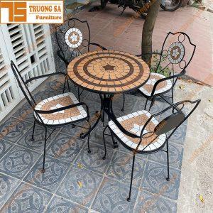 Ban-ghe-ngoai-troi-mosaic-TS113
